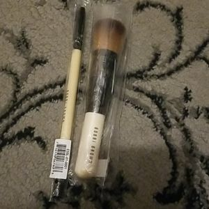 Bobbi brown face brush and concealer brush NWT